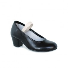 Black flamenco shoe in black